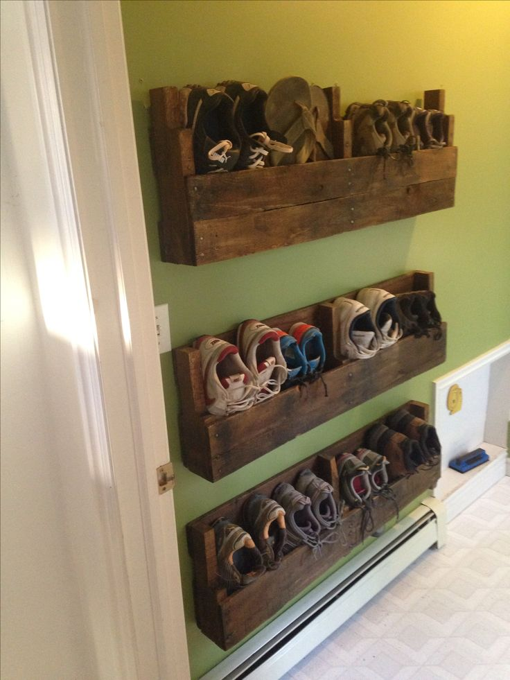 Dyi shoe rack made out of pallets! Project I have been trying to finish to clean u
