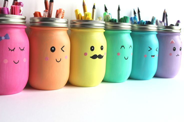 I'm always looking for beautiful ways to organize my art supplies, and mason jars are a great solution. And while I think this