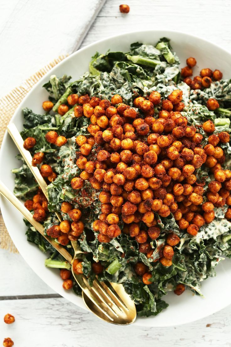 AMAZING Garlicky Kale Salad with Tandoori Spiced Chickpeas | Vegan, gluten free, and vegetarian. | Click for healthy recipe. | via