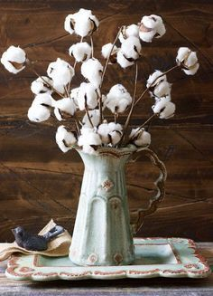 These Small Cotton Stems make a big impact in any space! Add to a vase for a beautiful centerpiece! Pair with our Cotton Wreath
