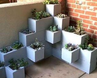DIY outdoor succulent planter