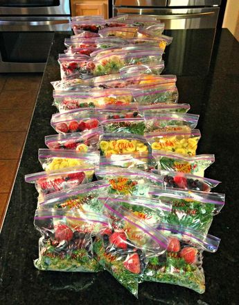 Frozen Smoothie Packs – Must try this to save time and save all those fruits and veggies that go bad when I dont make that
