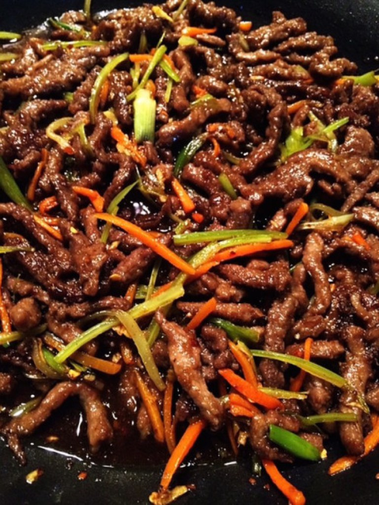 Easy Szechuan Beef Recipe – Chinese Takeout in less than 30 mins!