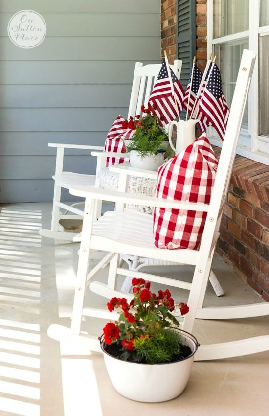 Last Minute Patriotic Decor Ideas | Easy ways to add the red, white and blue to your home!