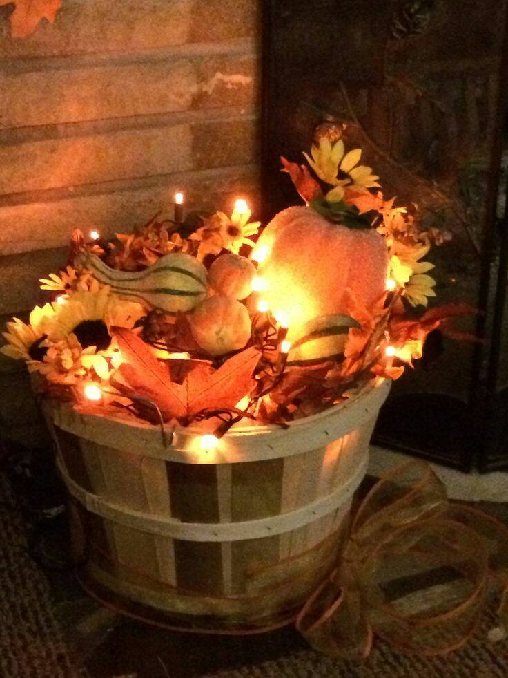 Fill a Basket with Leaves & Christmas Lights…these are the BEST DIY Fall Decorations & Craft Ideas! #chic_autumn_decor