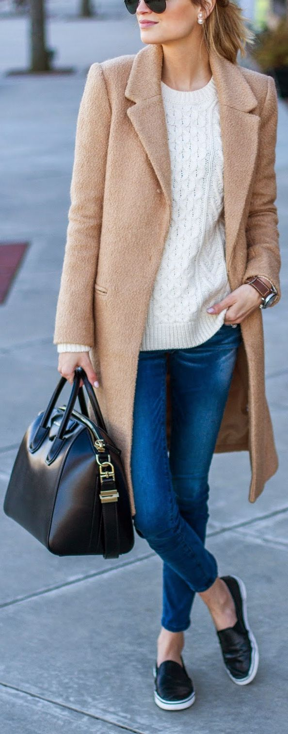 Fall / Winter – street chic style – sporty chic style – camel coat + white sweater + cropped skinnies + black leather slip-ons +