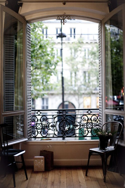 Paris apartment…. wish I was back there!