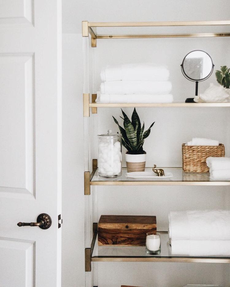this is adorable | bathroom goals, bathroom shelving, open shelving, shelf decor, home inspiration, house, living space, room,