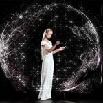 Cea mai mare proiectie holografica realizata pentru o prezentare de moda