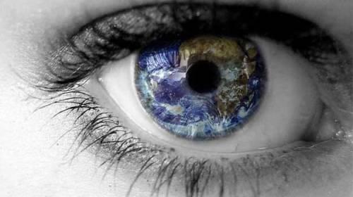 Așa m-am pierdut în ochii ei năucitori de frumoși