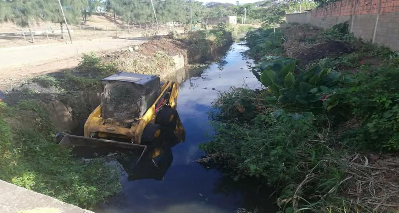 Atendieron el llamado: Alcaldía limpia canal de drenaje