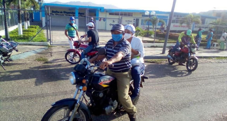 Brigada Motorizada traslada al personal del CDI