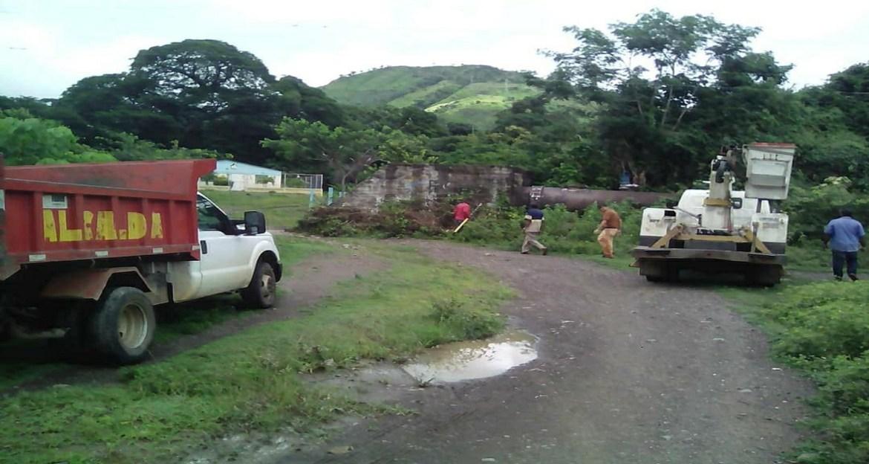 Domingo de fallas en servicios de agua potable y energía eléctrica
