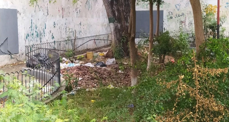 Evidente el abandono del parque Sucre