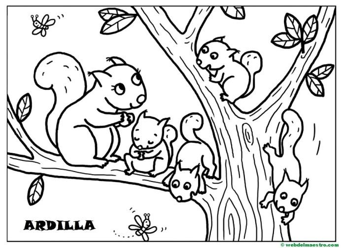 Ardilla y sus crías
