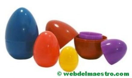 Enroscar huevos de plástico de distintos tamaños