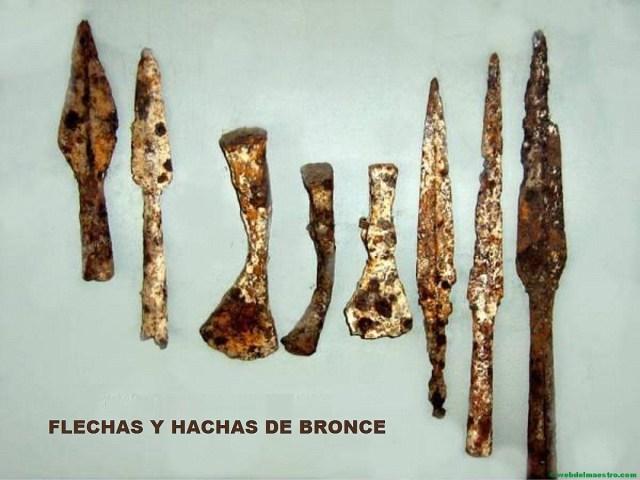 Flechas y hachas de bronce