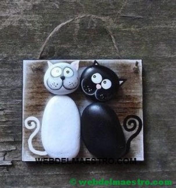 Cuadros hechos con piedras-gatos