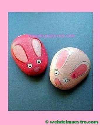 conejitos pintados en piedra