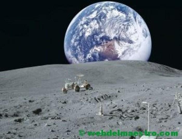 La Luna con la Tierra de fondo