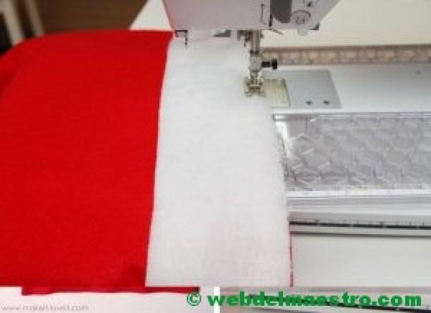 Coser una tira de tela blanca