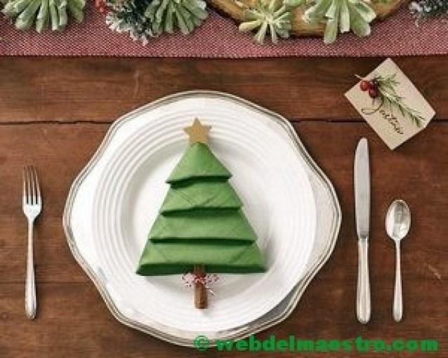 Presentación del plato y el cubierto navideño