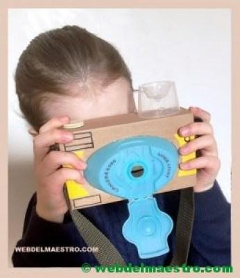 cámara de fotos de cartón