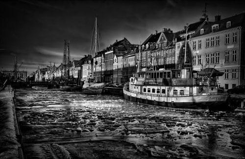black and white København