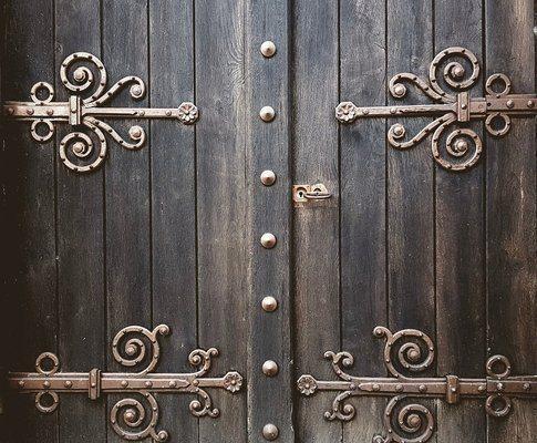 Какво да знаем за различните видове гаражни врати