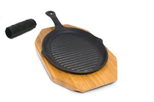 Broil King 69470 Fajita Pan with Holder