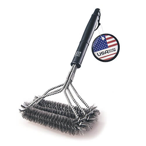 BBQ Grill Brush By USA Kitchen Elite 18″ Best BBQ Cleaner. Safe For All Grills. Durable & Effective. Stainless Steel Wire Bristles And Stiff Handle. A Perfect Gift For Barbecue Lovers +.Handy Bag