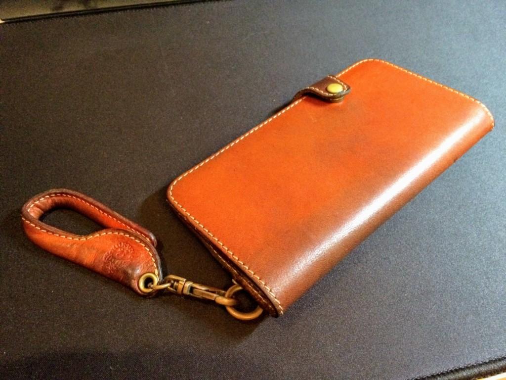 JACAJACAから購入したHUKUROアイフォンケース(手帳型)