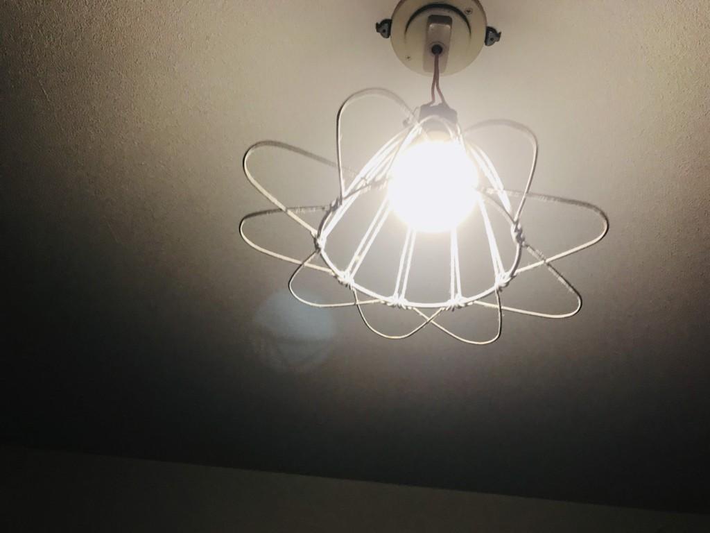 お部屋のメインにするには光量不足