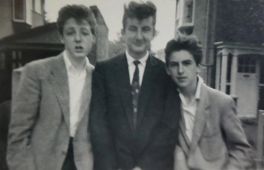 The Beatles Polska: Rzadkie zdjęcie Paula i George