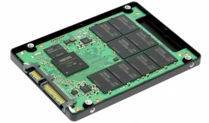 """The internal structure of the SSD drive form factor 2.5 inches. """"width ="""" 682 """"height ="""" 400 """"srcset ="""" https://i0.wp.com/webilicious.xyz/wp-content/uploads/2019/08/1565226149_620_Hard-drive-ssd-what-is-it-What-is-better.jpg?w=1200&ssl=1 682w, https://androfon.ru/wp-content/uploads /2019/07/st549_14_15_07_19_03-300x176.jpg 300w, https://androfon.ru/wp-content/uploads/2019/07/st549_14_15_07_19_03-30x18.jpg 30w """"data-lazy-sizes ="""" (max-width: 682px ) 100vw, 682px"""
