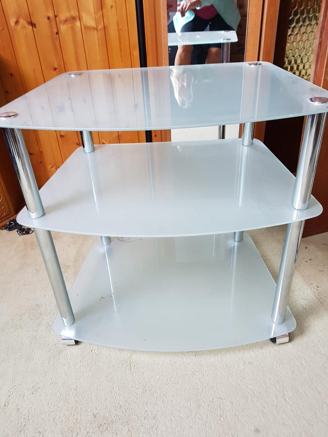 Tv Rack Mit Rollen Tv-rack In 68305 Mannheim For €15.00 For Sale | Shpock