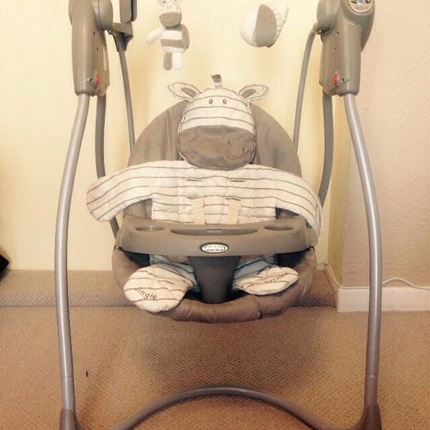 graco swing chair zebra simply covers and bows baby ziggy loving hug in pl2 plymouth for 35 00