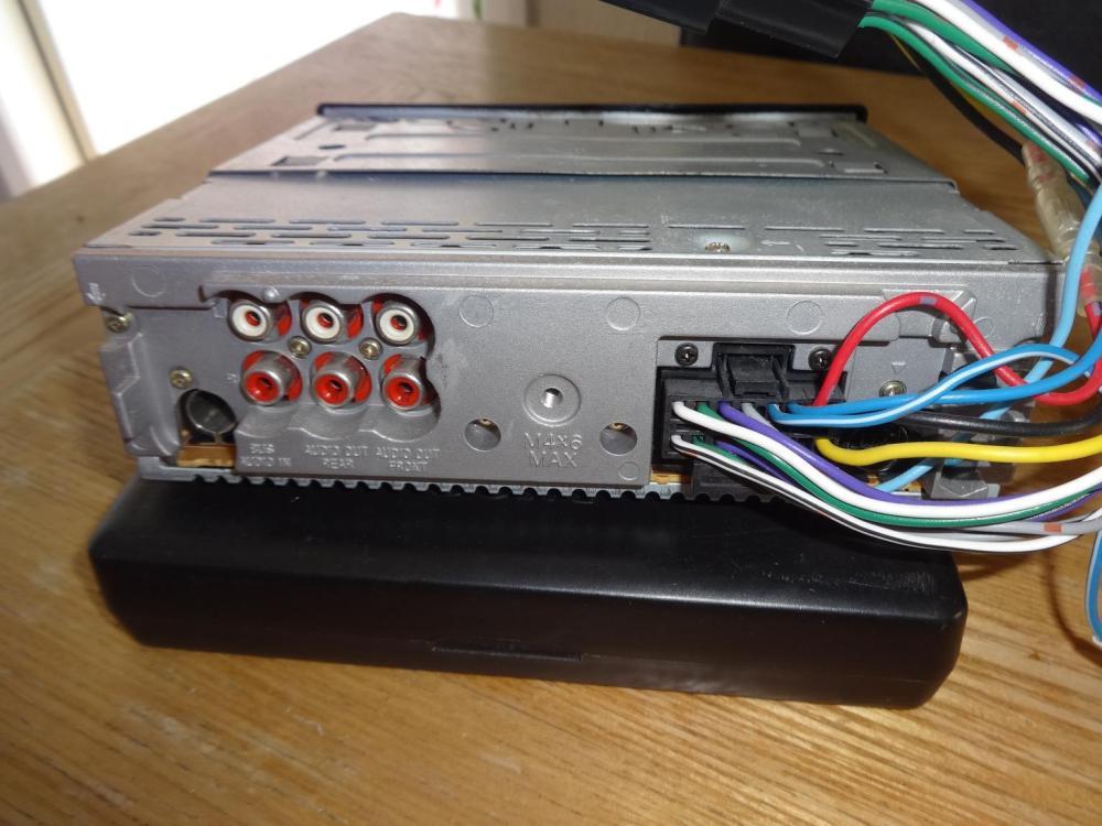 medium resolution of sony cdx mp40 car stereo