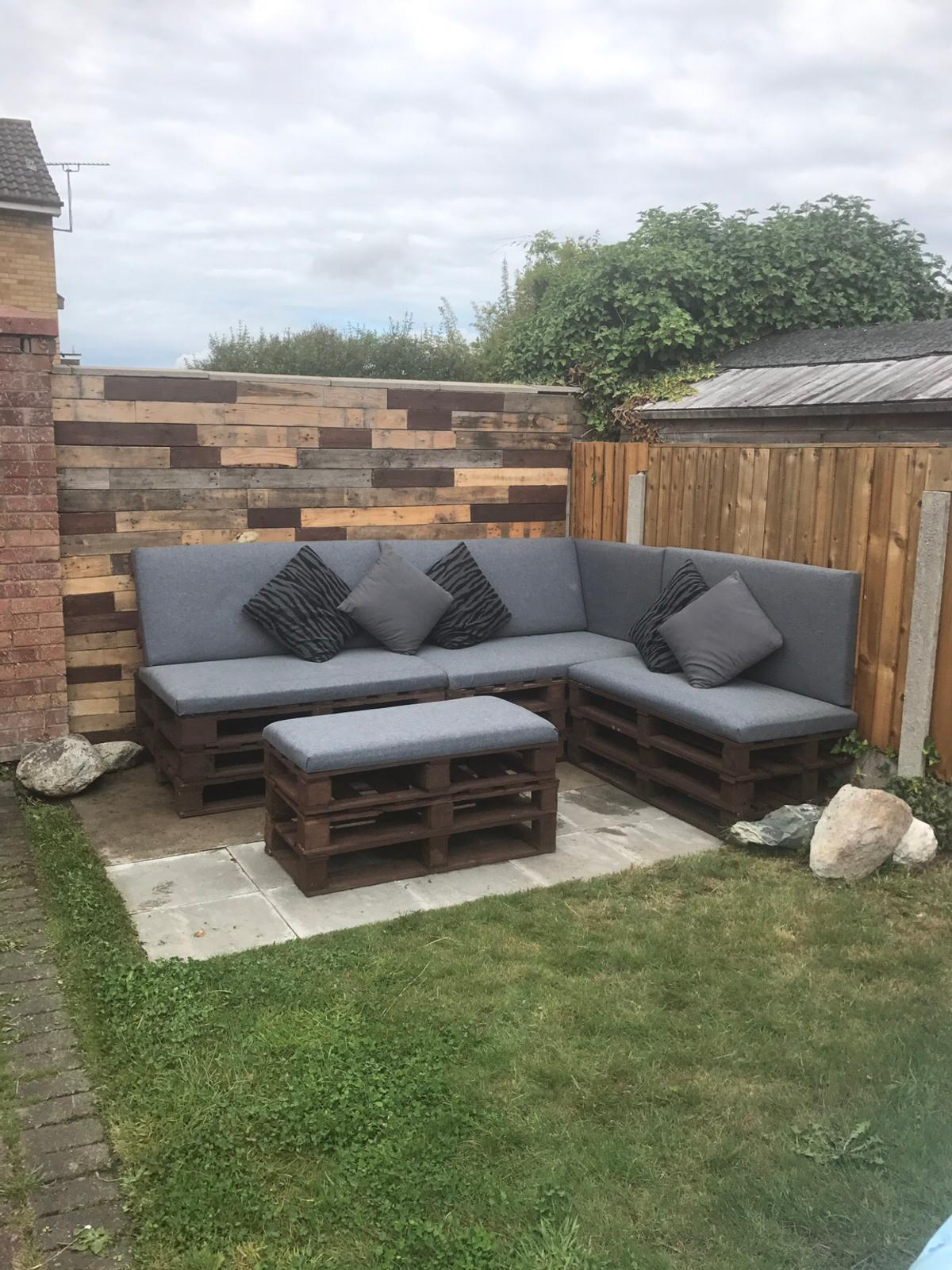 garden furniture pallet seating lounge