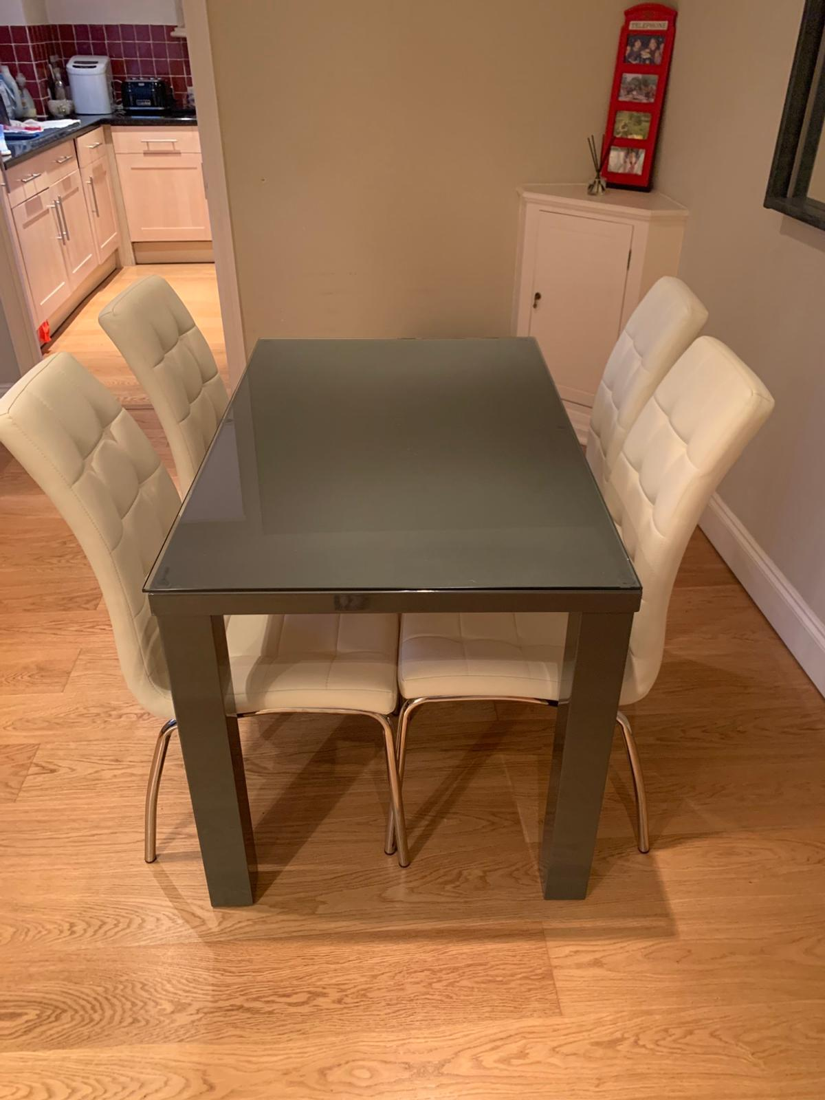 Used Dining Room Table And Chairs Dining Room Table And Chairs Lightly Used