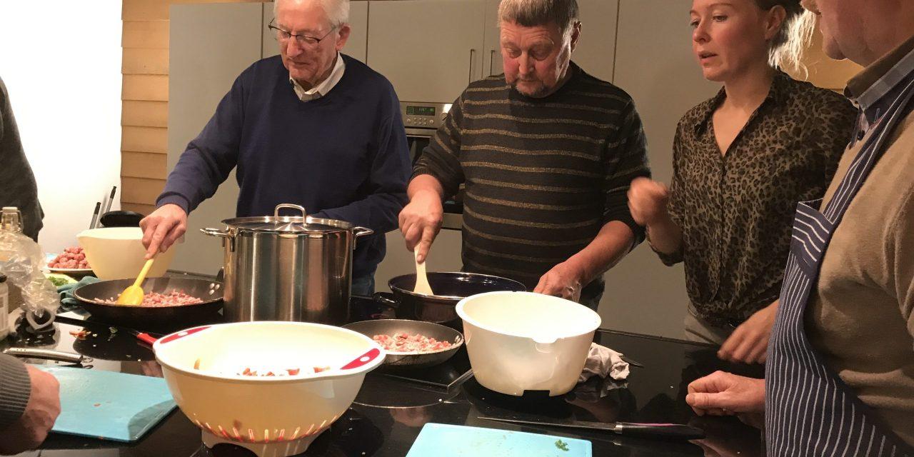 Oproep: keuken / locatie gezocht voor kookcursus 'Mannen met Pannen'