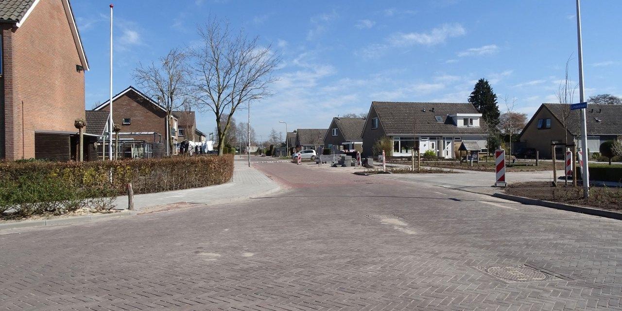 Renovatie-herinrichting Lindenlaan op haar na gevild, parkeerperikelen in de Patrijs