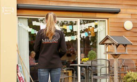 Paasklanken voor bewoners De Berghorst door leden CMV Prinses Margriet