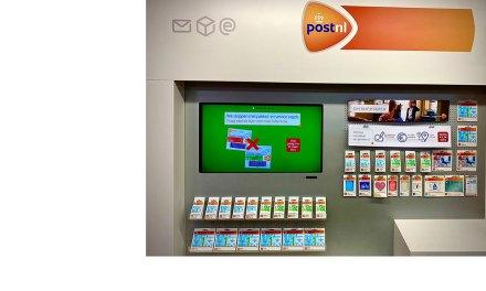 𝗨𝗣𝗗𝗔𝗧𝗘!!  Foto Frans Nooren The Readshop weer open voor essentiële producten