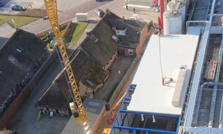 Nieuw pekelbad in Rouveen van boven