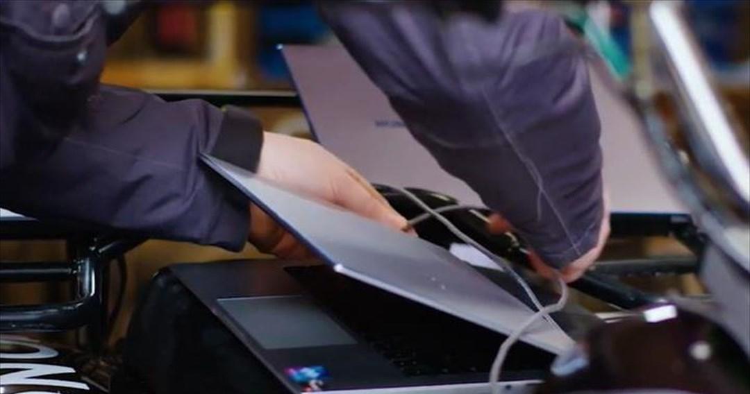 Ηλεκτρικό όχημα φορτίζεται για πρώτη φορά από την μπαταρία ενός laptop