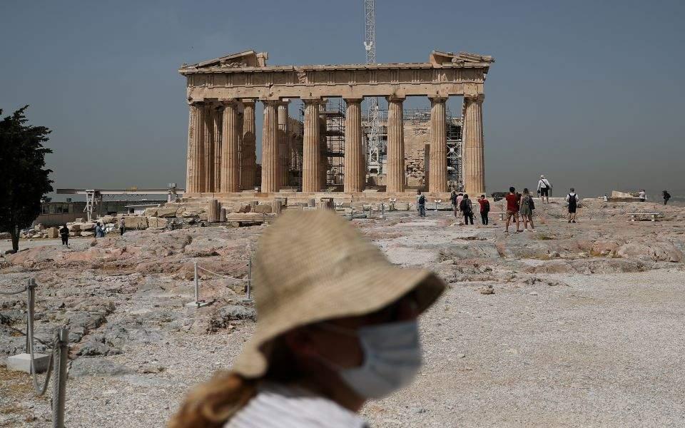 Κορωνοϊός: Ελεγχοι και πειθαρχία κρίνουν την πορεία των μέτρων | Ελλάδα