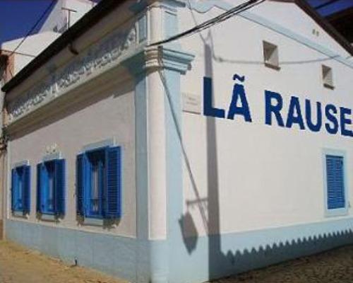 Lan House num bairro brasileiro qualquer: acelerando a lei de Mutter?