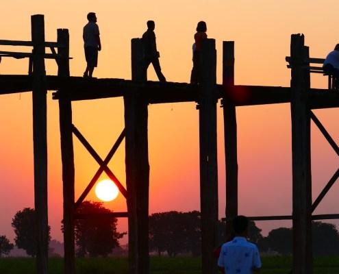 Wanderer auf der Brücke