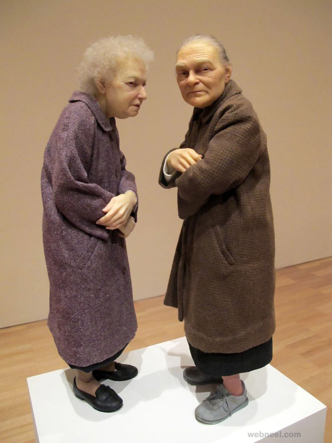 realistic sculputre by ron mueck